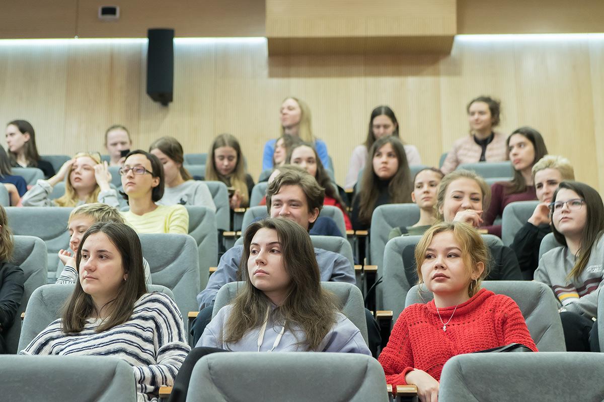Las actividades de la Semana Hispano-Rusa de Lengua y Cultura han interesado a un gran número de estudiantes