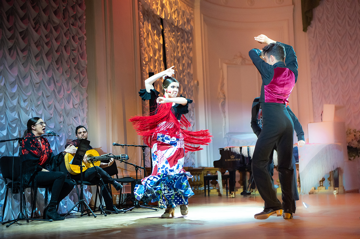Los participantes del grupo Sonando al compаs presentaron el flamenco de diferentes rincones de Andalucía