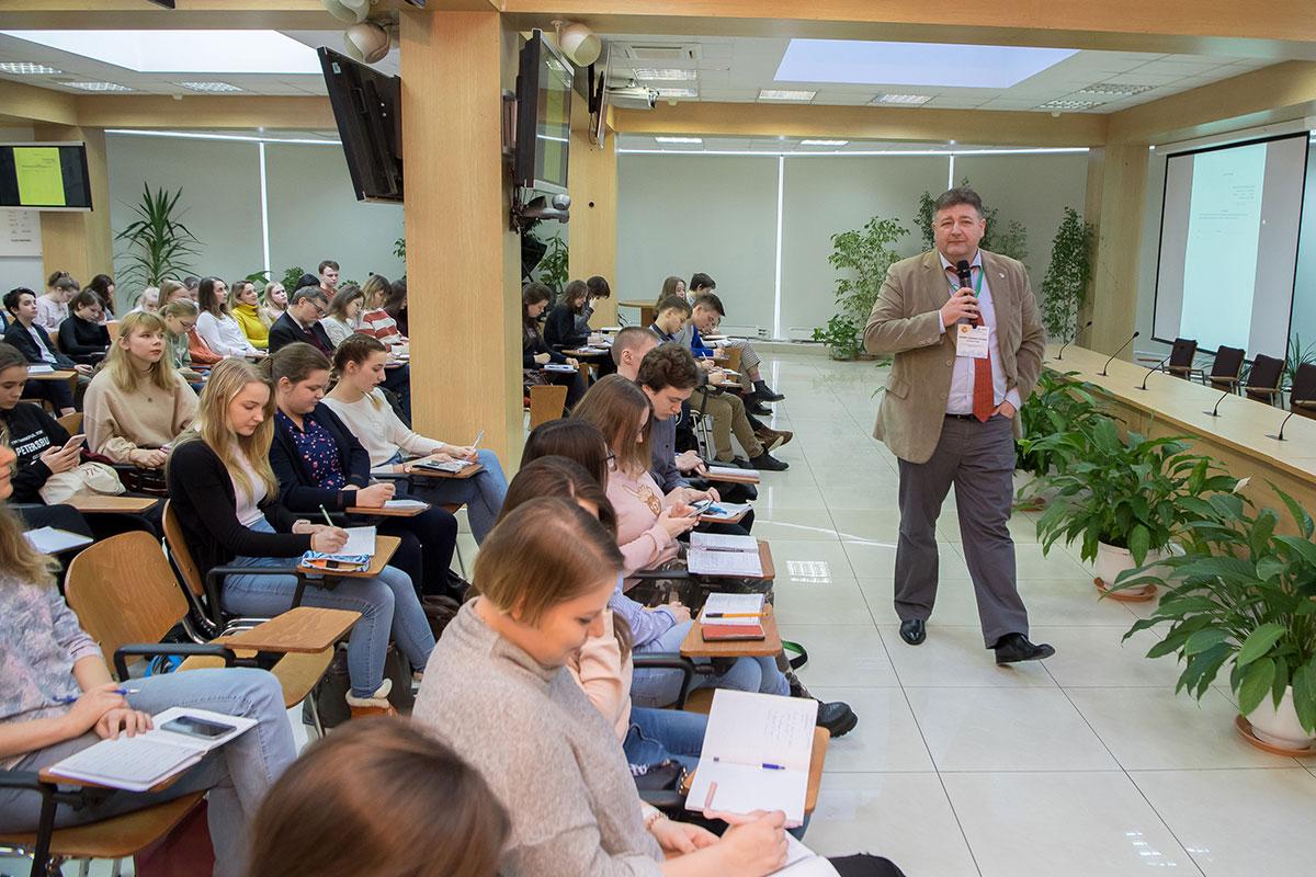 Más de 300 participantes visitaron la Semana Hispano-Rusa de Lengua y Cultura en la SPbPU