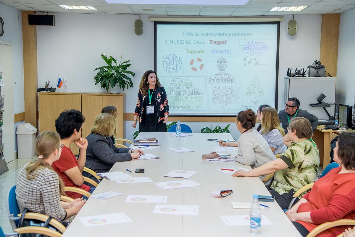 Los profesores de la Universidad de Cádiz dieron un seminario metodológico sobre la enseñanza del español como la lengua extranjera