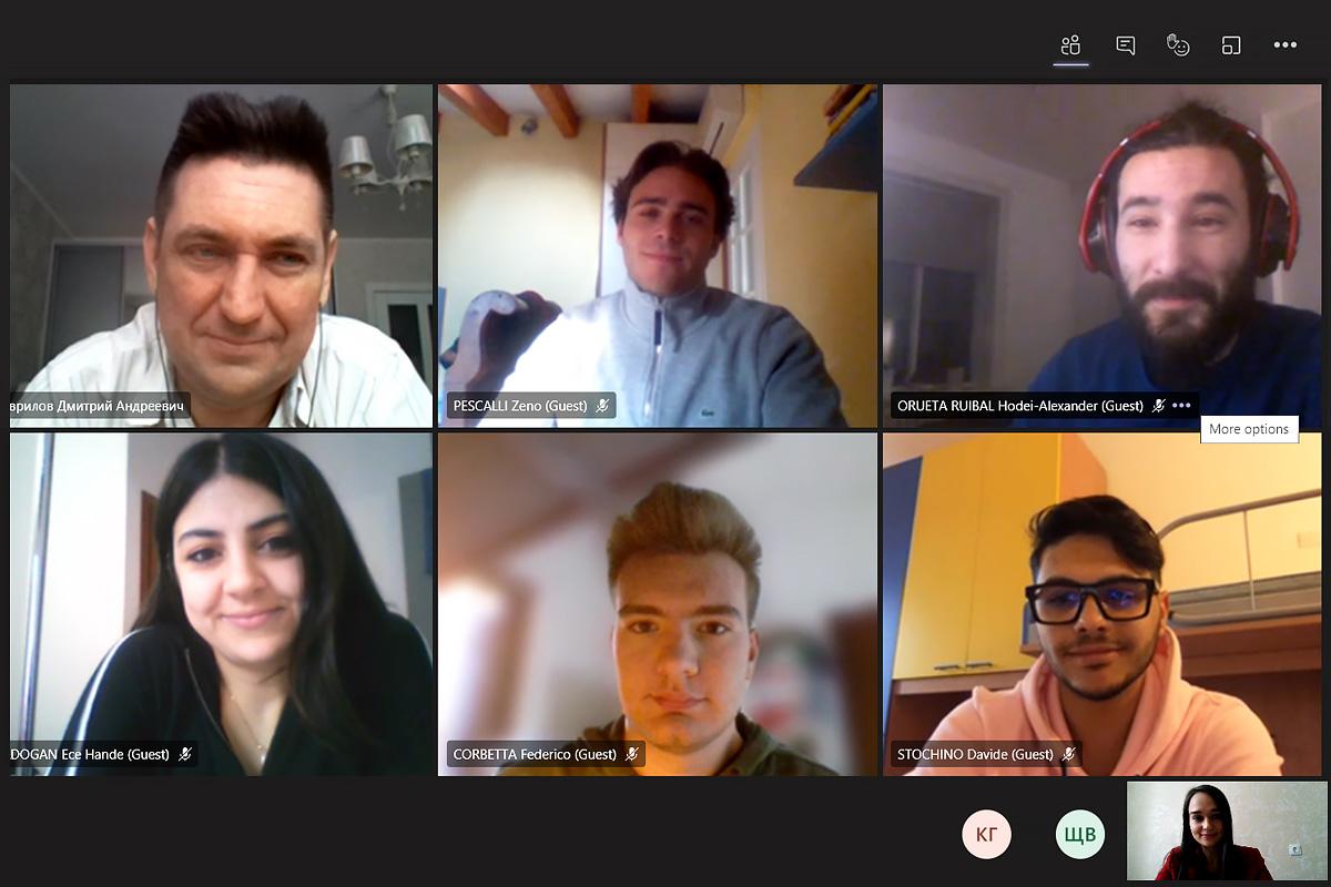 Estudiantes internacionales de la Universidad Politécnica elaboran las estrategias de la cadena de suministro