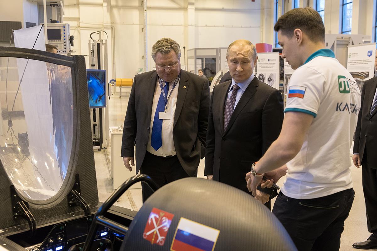 El presidente Vladimir Putin se familiarizó con los desarrollos científicos de la SPbPU