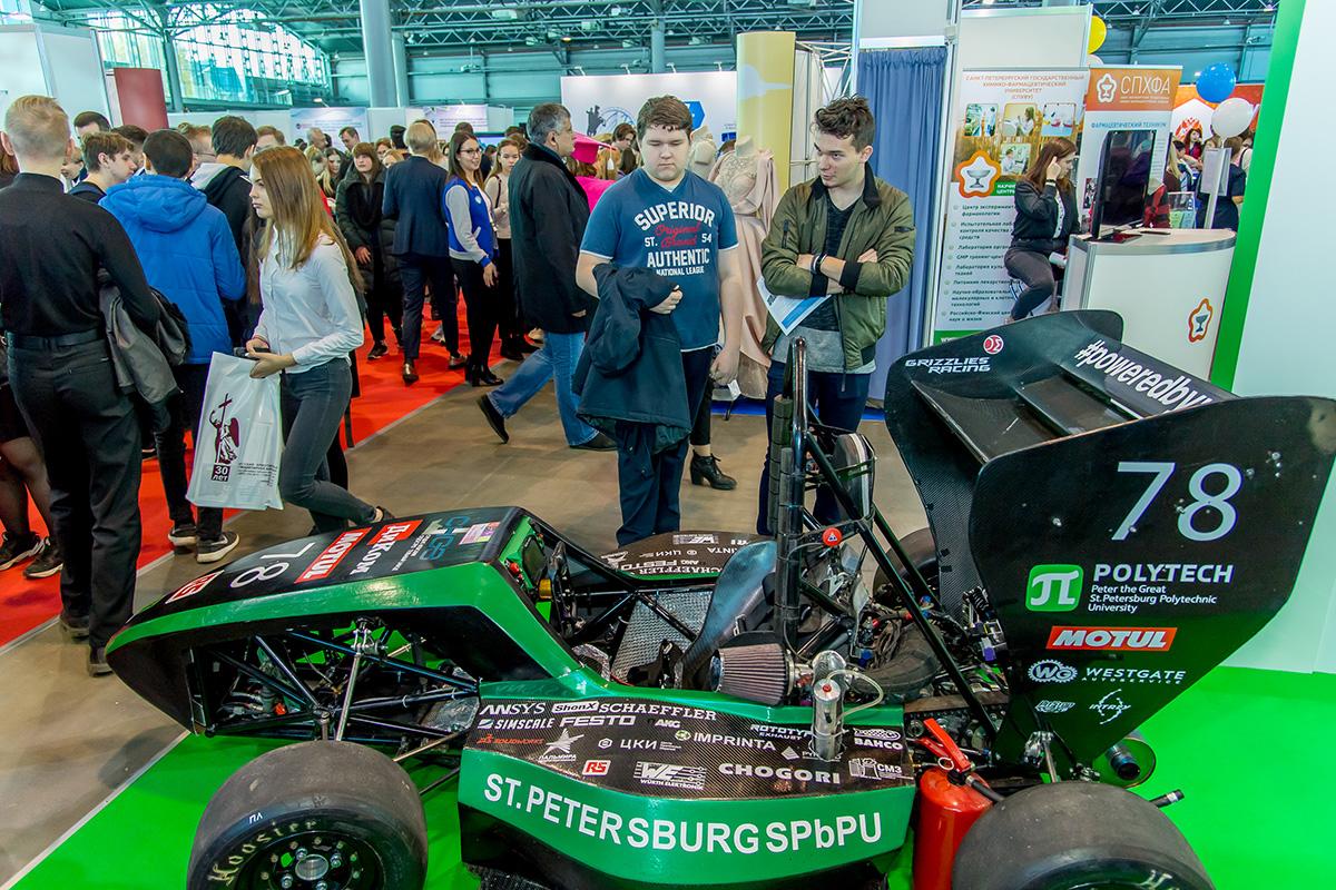 SPbPU participó en el Salón internacional de ciencia y educación de San Petersburgo en EXPOFORUM: cómo fue
