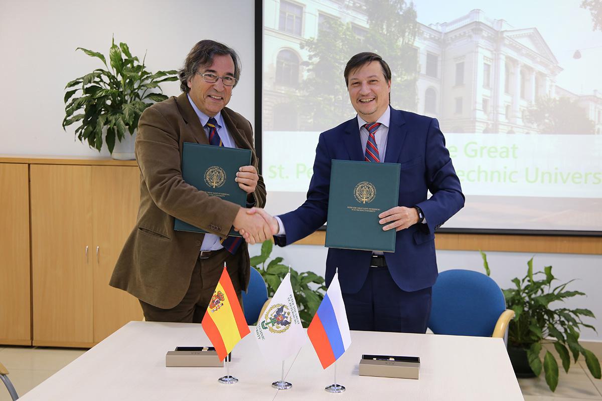 La SPbPU y BarcelonaTech firman un acuerdo de colaboración