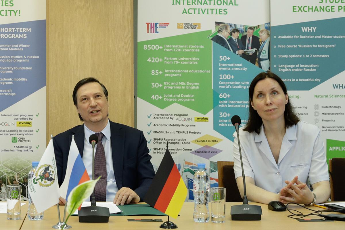 EnlaPolitécnica arranca laconferencia internacional «Cyber-Physical Systems and Control»